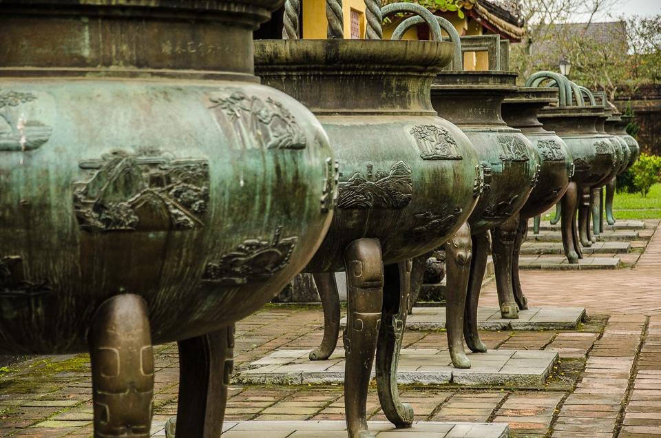 hue citadel bronze urns