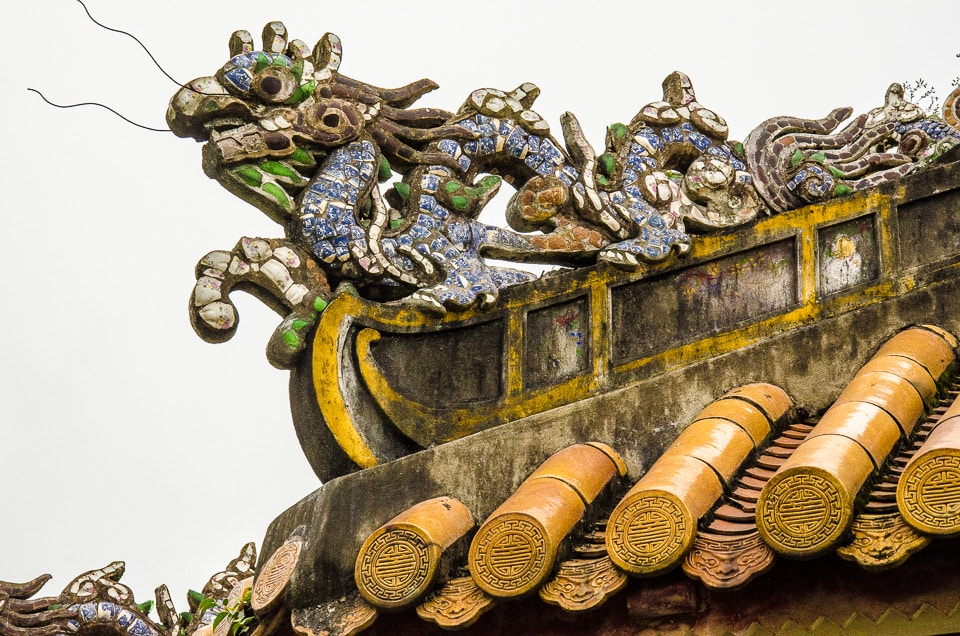 hue citadel dragon on roof