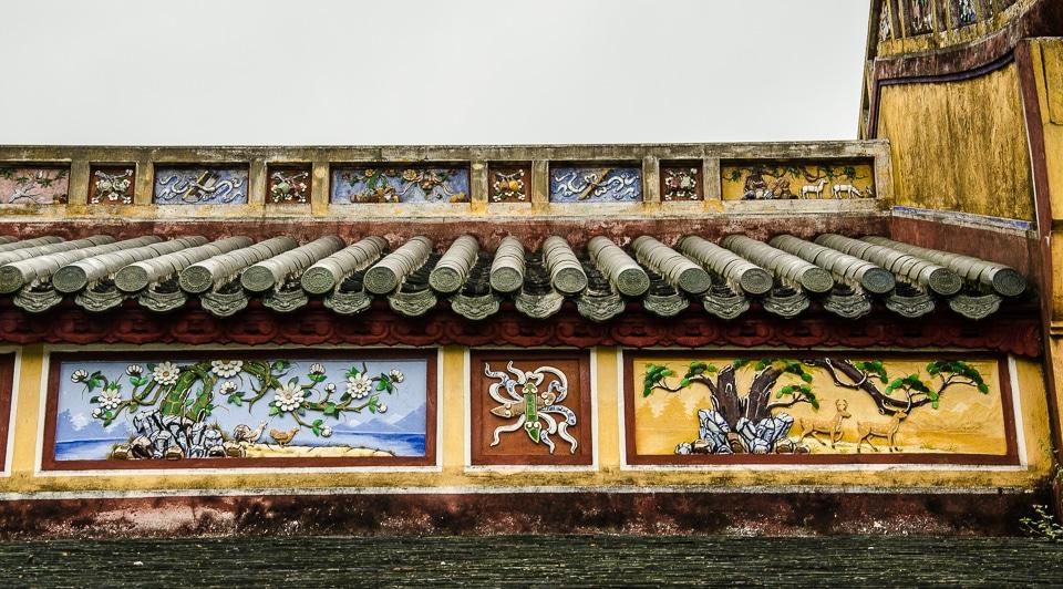 hue citadel roof decoration