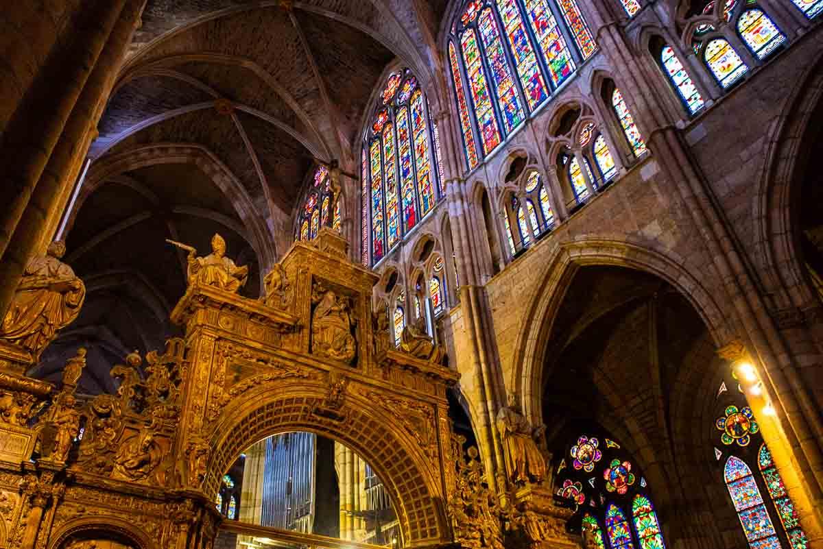 spain leon cathedral choir facade 2