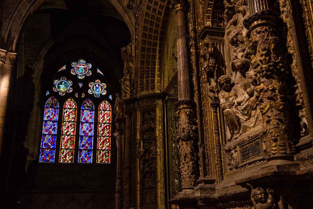 spain leon cathedral choir facade window 2
