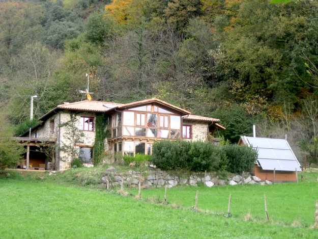 La Sota house in green Cantabria
