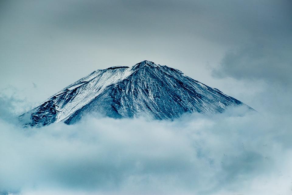 mt fuji snow top