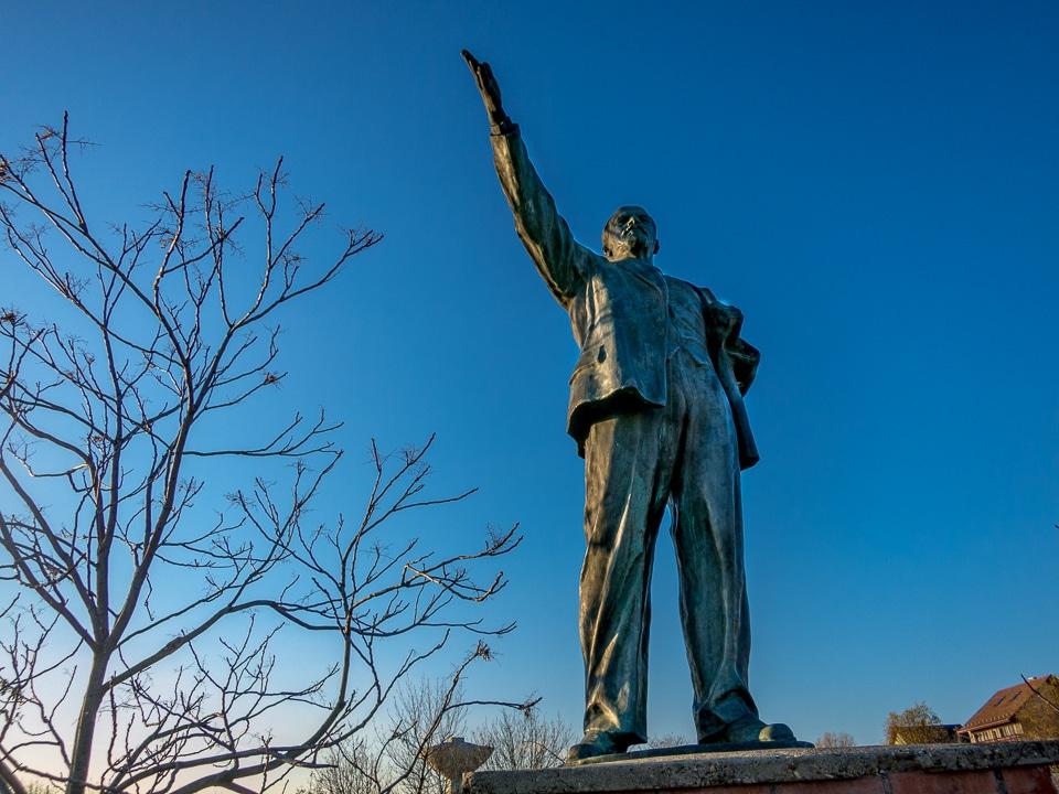 Lenin statue Memento Park Budapest