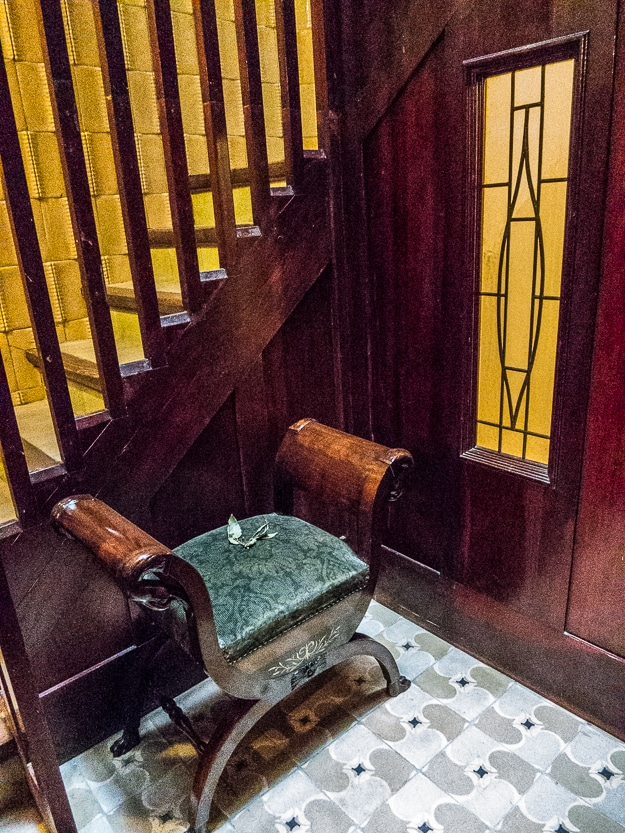 Interior stairway, Casa Masó