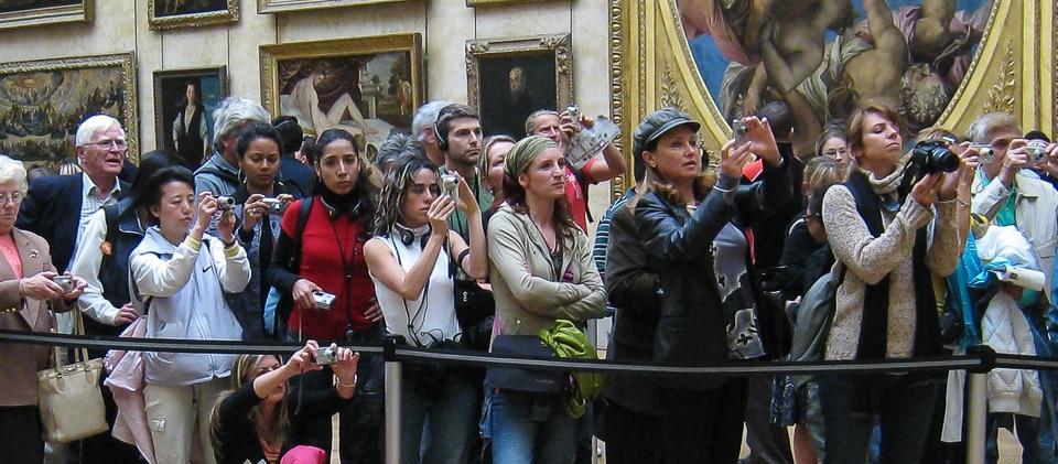 Louvre tourists Mona Lisa
