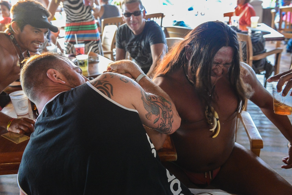 arm wrestle cozumel