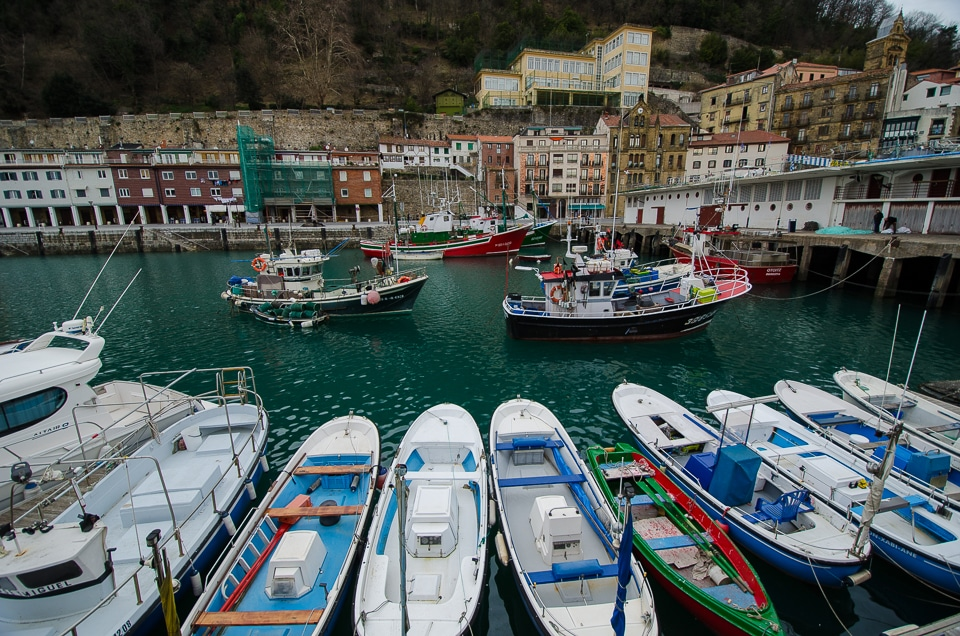 boats san sebastian harbor