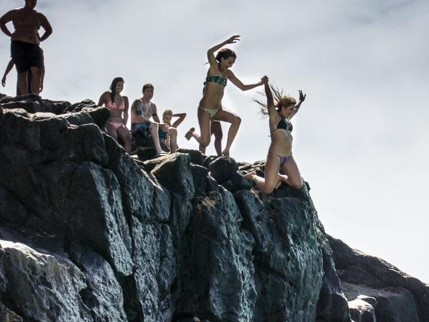 cliff jumping Oahu