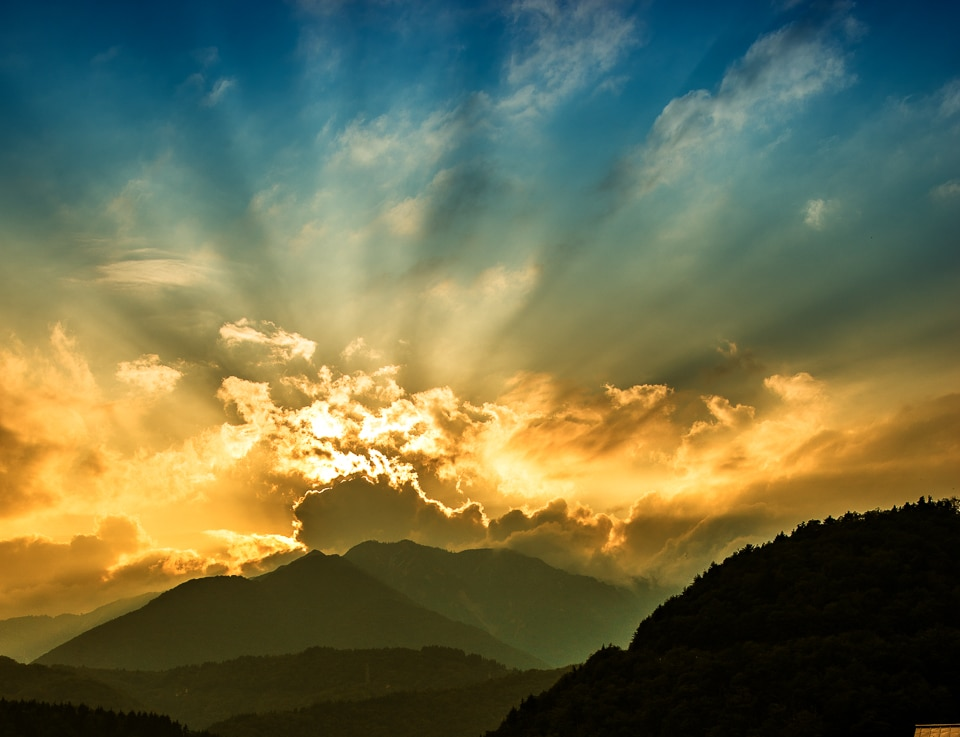 sunset shirakowago japan
