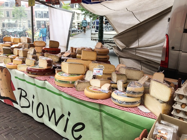 Picturesque market stand in Leiden. Say cheese.