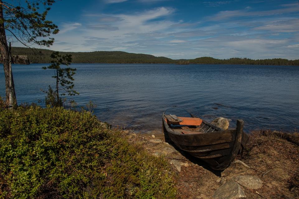 abandoned boat muddusjarvi Finland