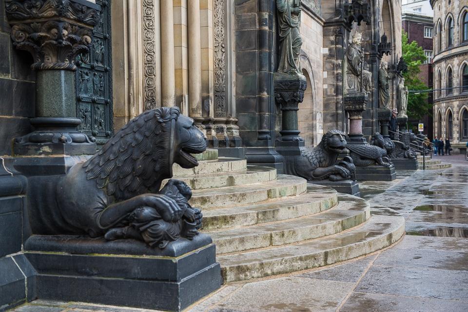 cathedral doors bremen germany