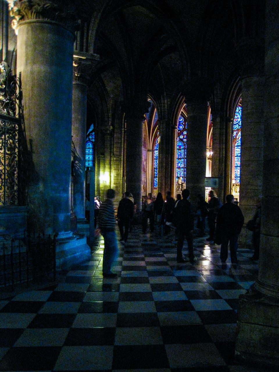 notre dame cathedral interior paris