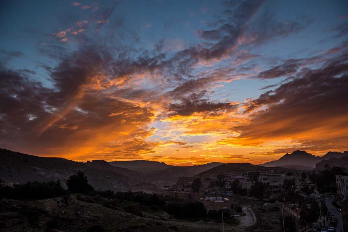 desert sunset petra jordan