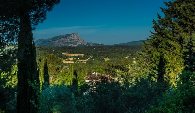 cezanne mountain aix france 3