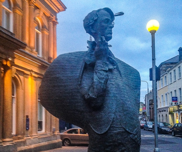 statue of Yeats in Sligo