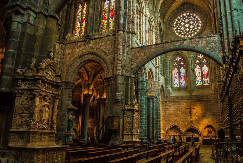 avila cathedral transept