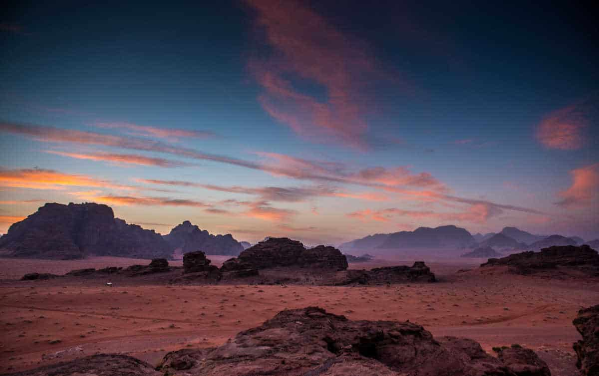 dawn wadi rum jordan tour