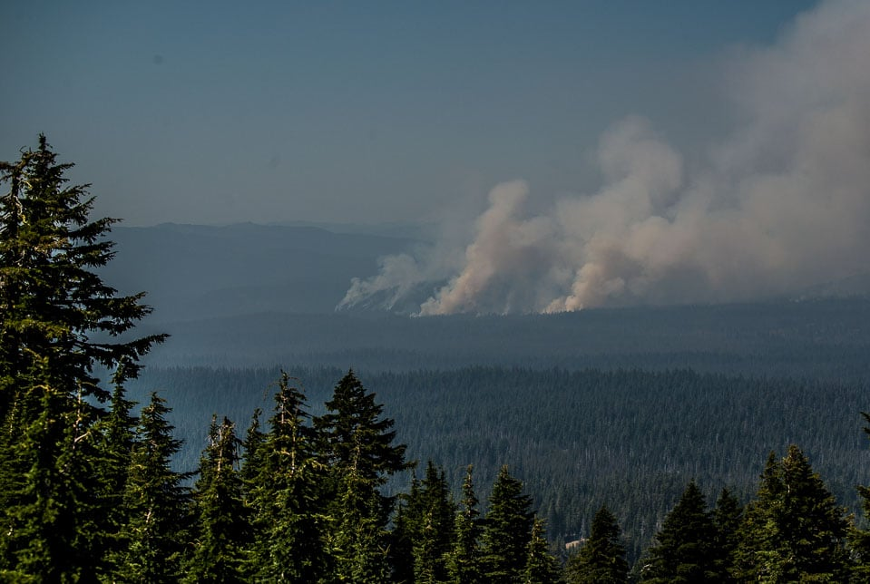 fires nw of crater lake national park