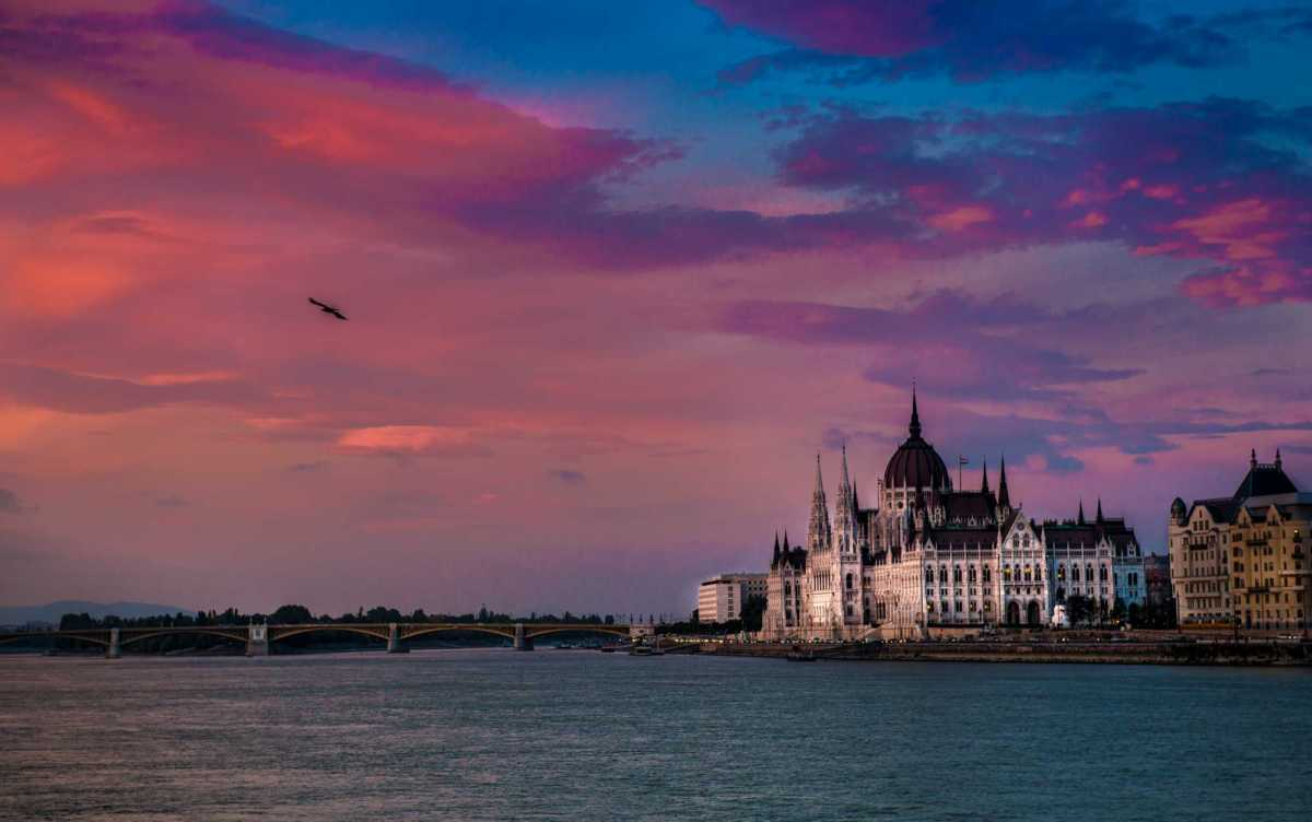 budapest sunset parliament danube