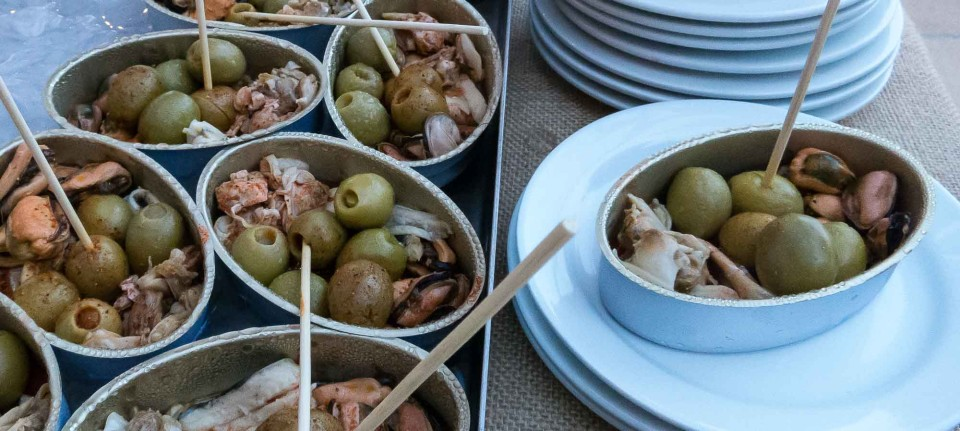 Olives with mussels and octopus