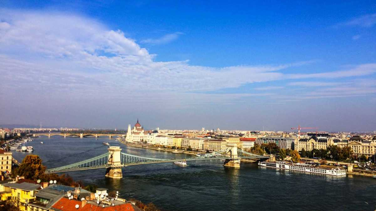 Viking Lif Budapest Chain Bridge