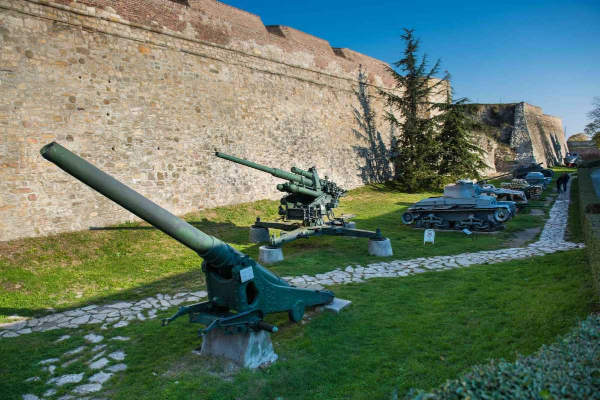 fortress Belgrade guns