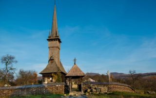 wooden church plopsis romania