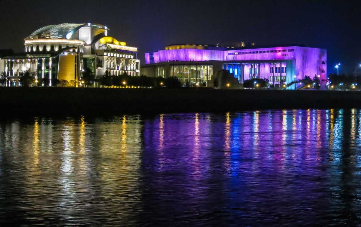 The National Theater (l) and the Ludwig Museum punctuate the classic Danube River scenery