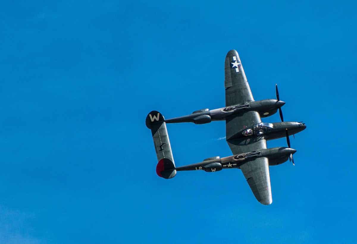 lincoln air show P38