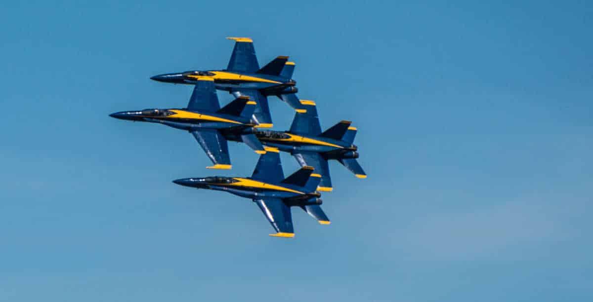 lincoln air show blue angels close