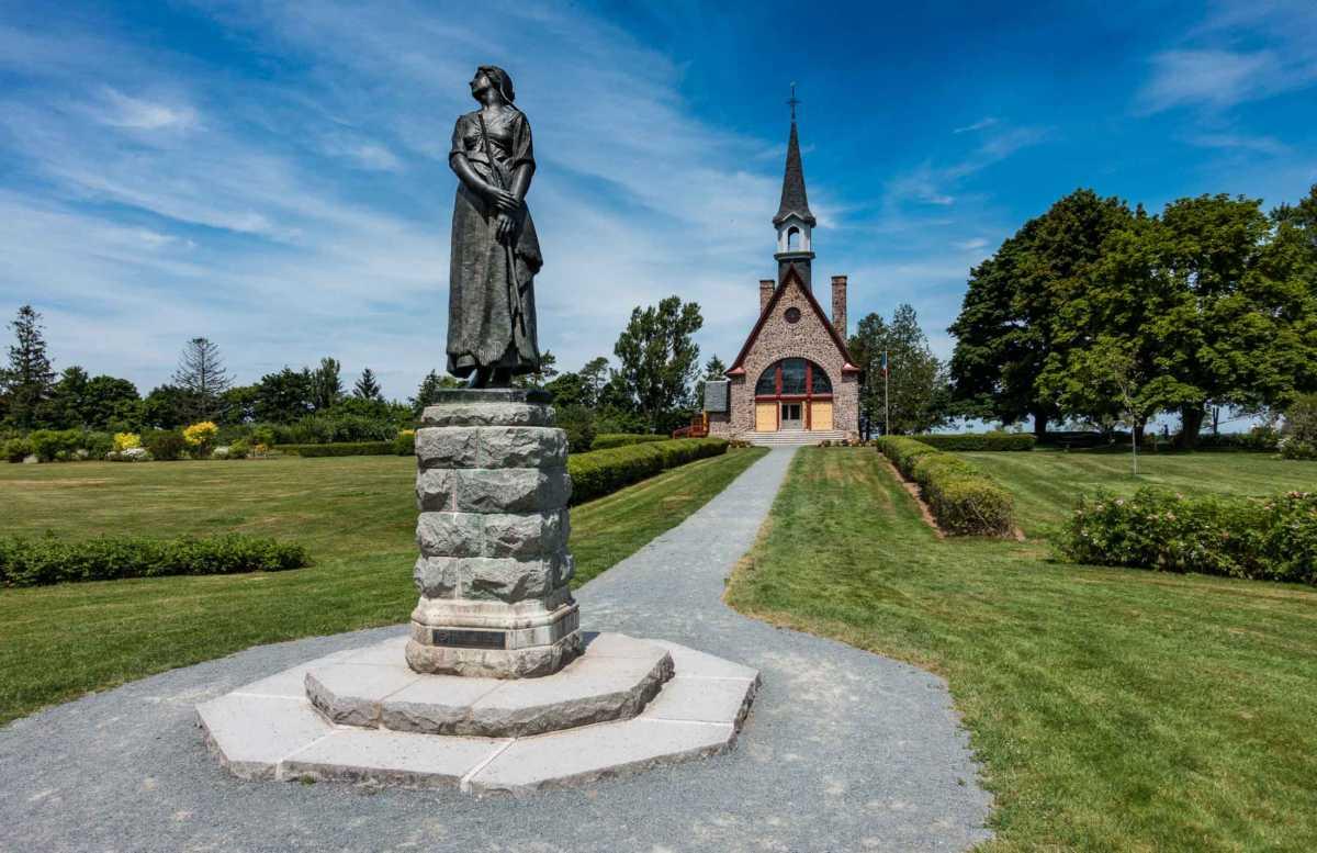 evangeline grand pre nova scotia