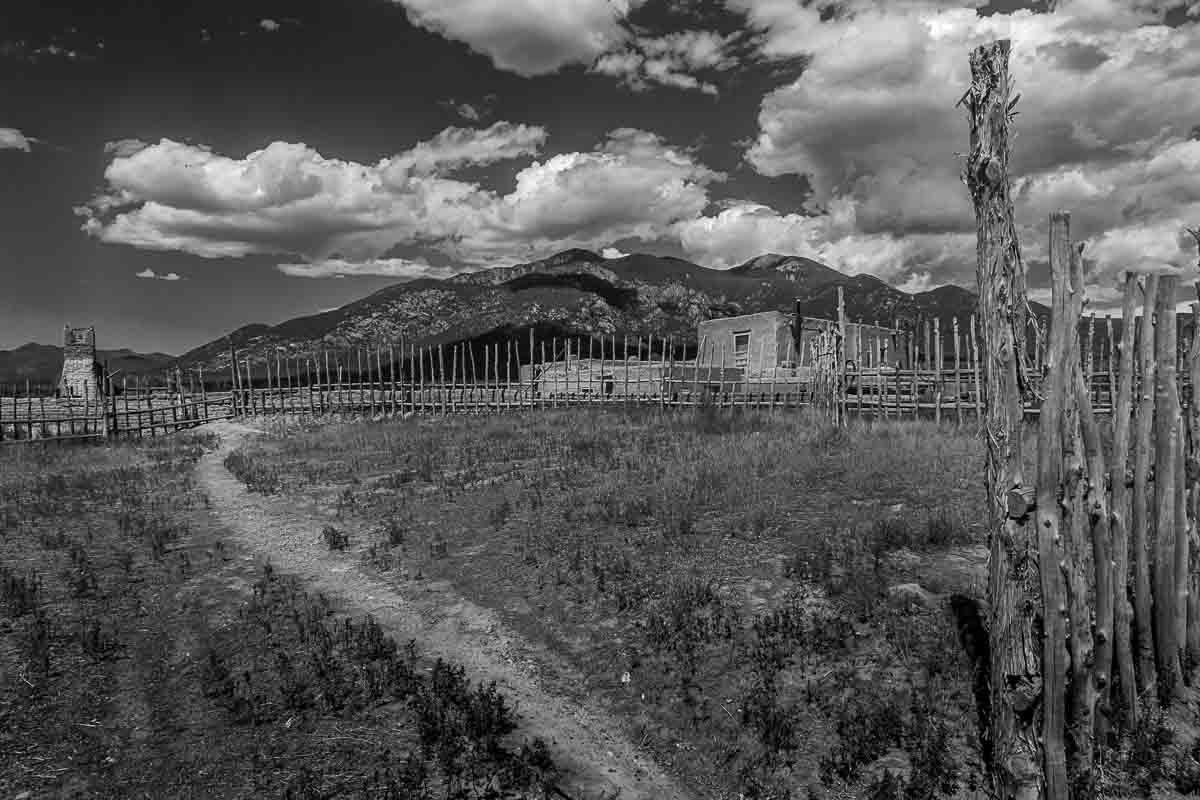 taos pueblo stockade