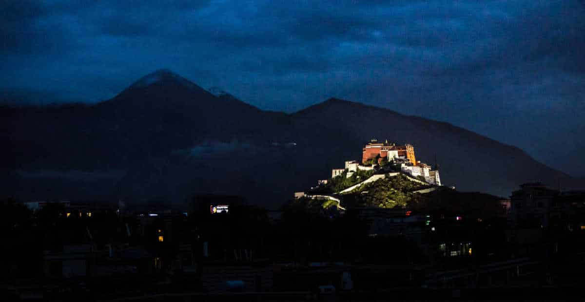 potala-palace-lhasa-tibet