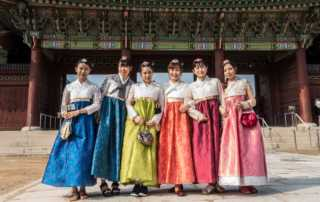 women-traditional-dress-korea