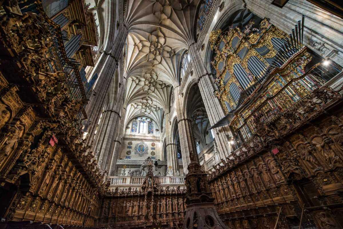 choir salamanca cathedral spain