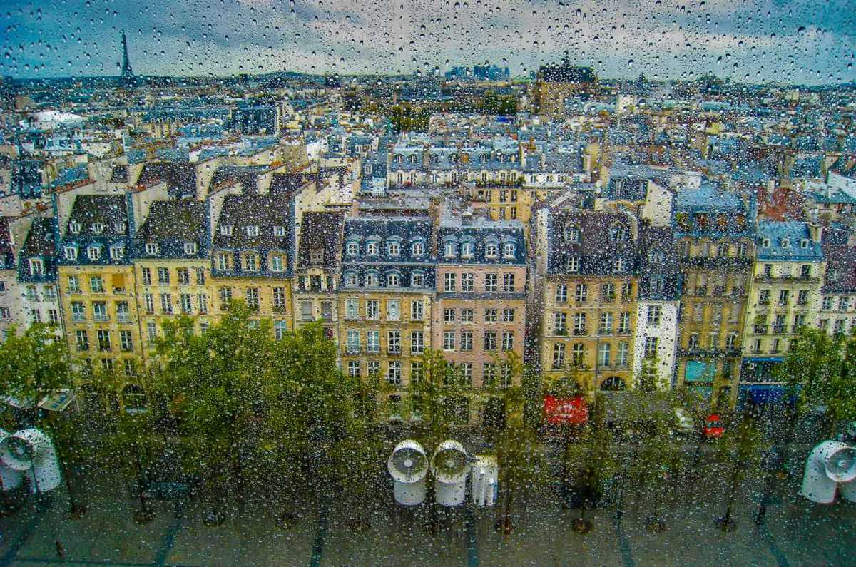 France_paris_rooftops in rain