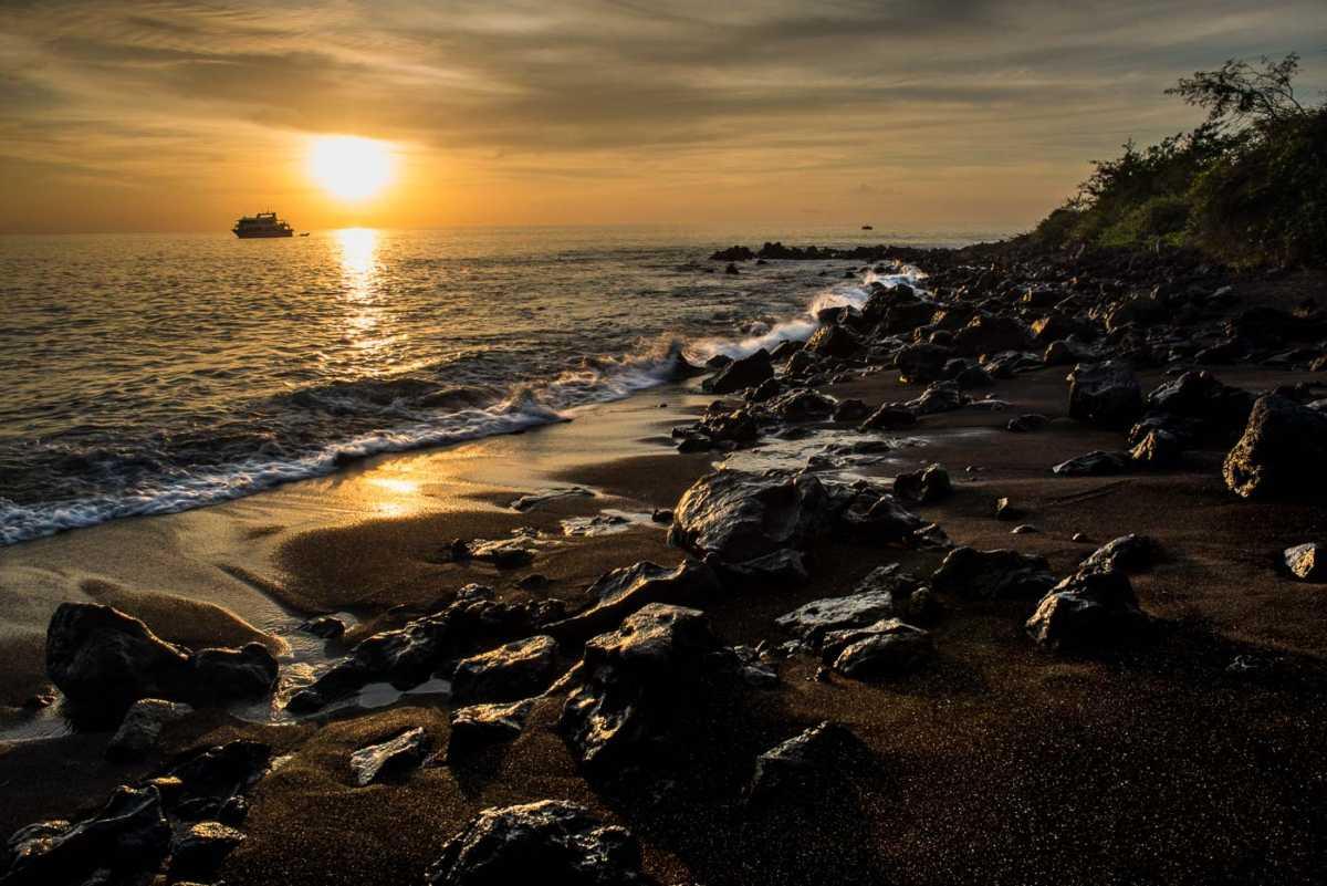 galapagos where to travel