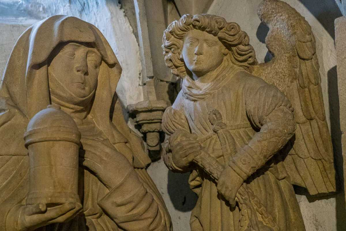 germany_breisach_cathedral_burial of christ