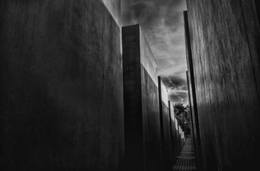 Germany_Berlin_holocaust memorial bw
