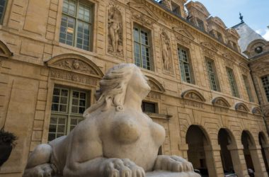 Marais Neighborhood Walk Paris
