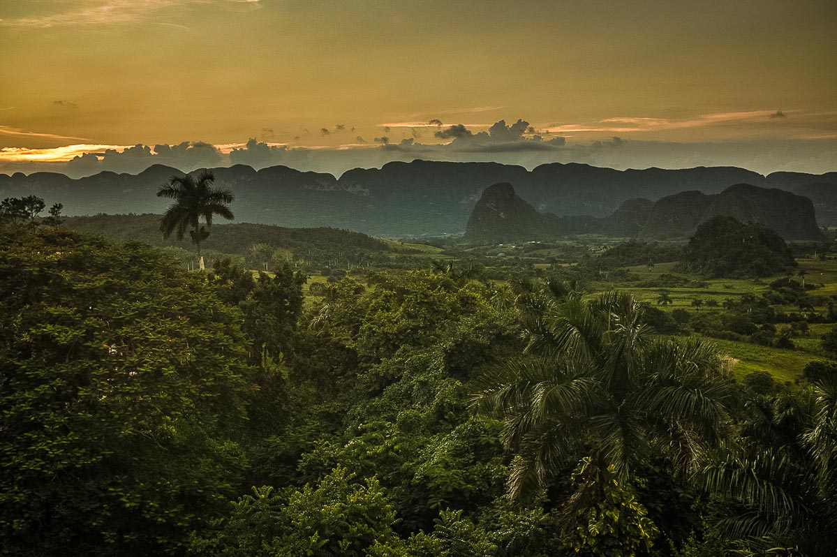 vinales valley sunset 2 travel to cuba vacation