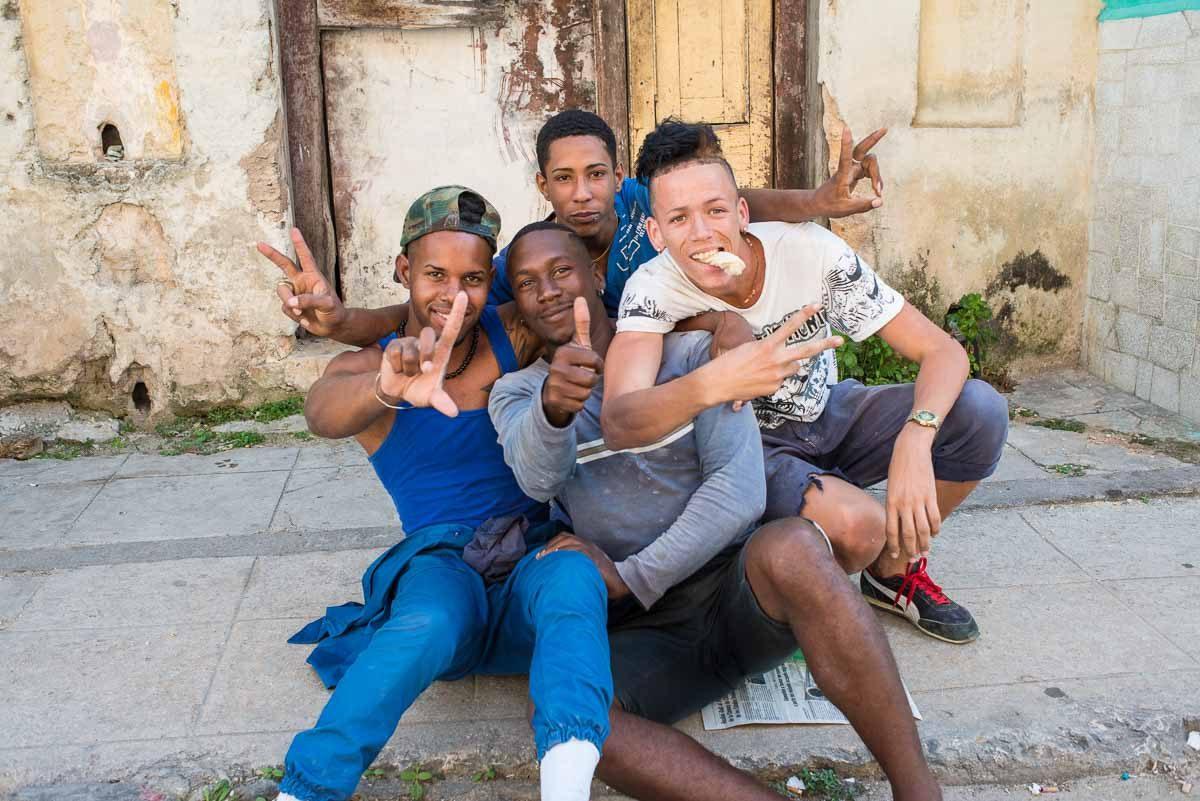 Cuba_Havana neptune street guys on street
