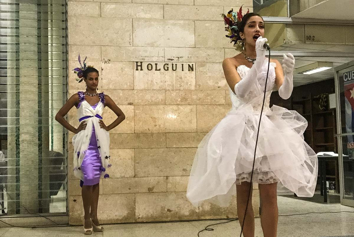 Cuba_holguin library opera