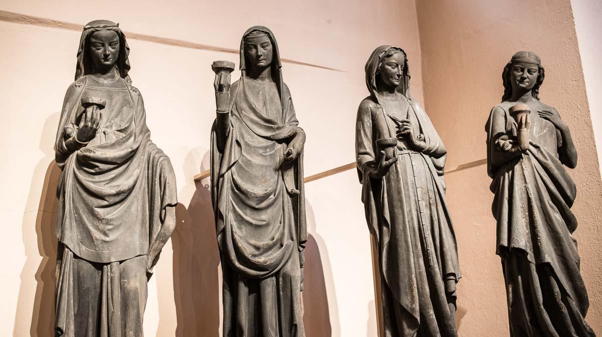 virgins Strasbourg cathedral