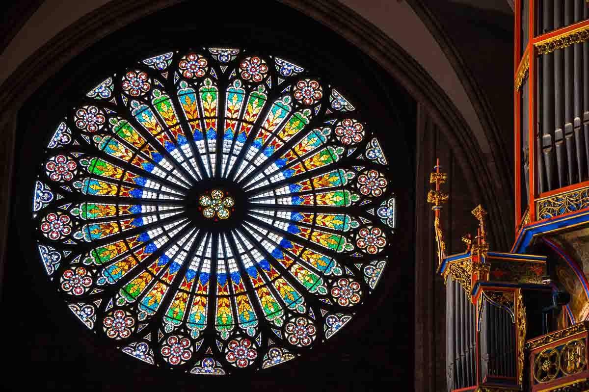 France_Strasbourg Cathedral rosette organ close