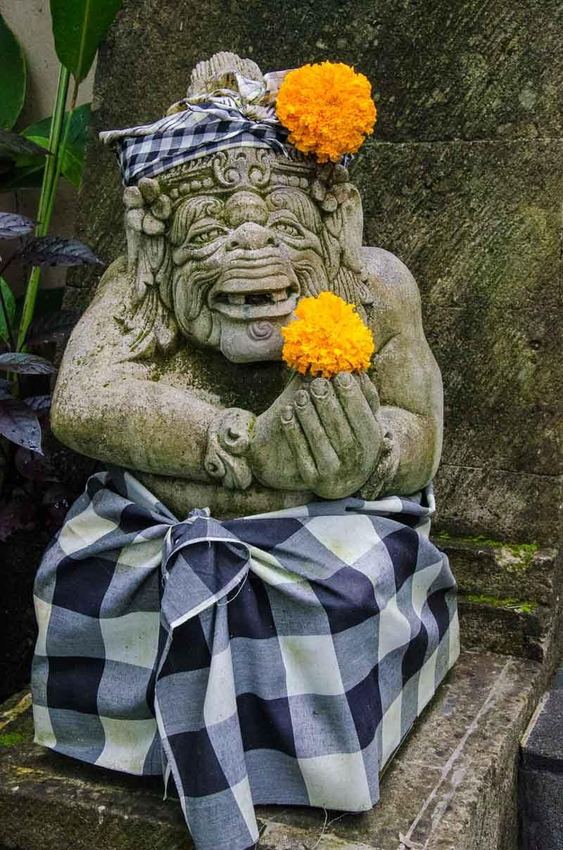Bali ubud door idol