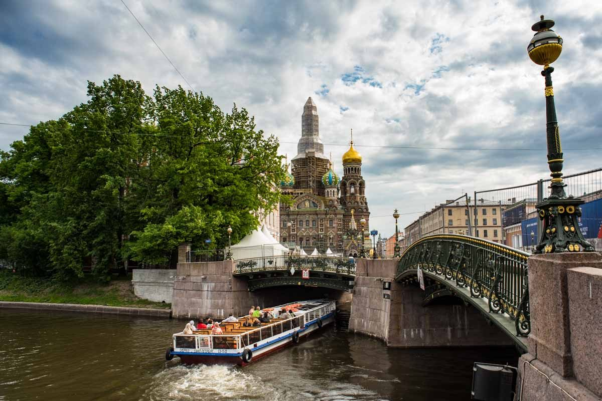 Russia Saint Petersburg canal church of savior on spilled blood