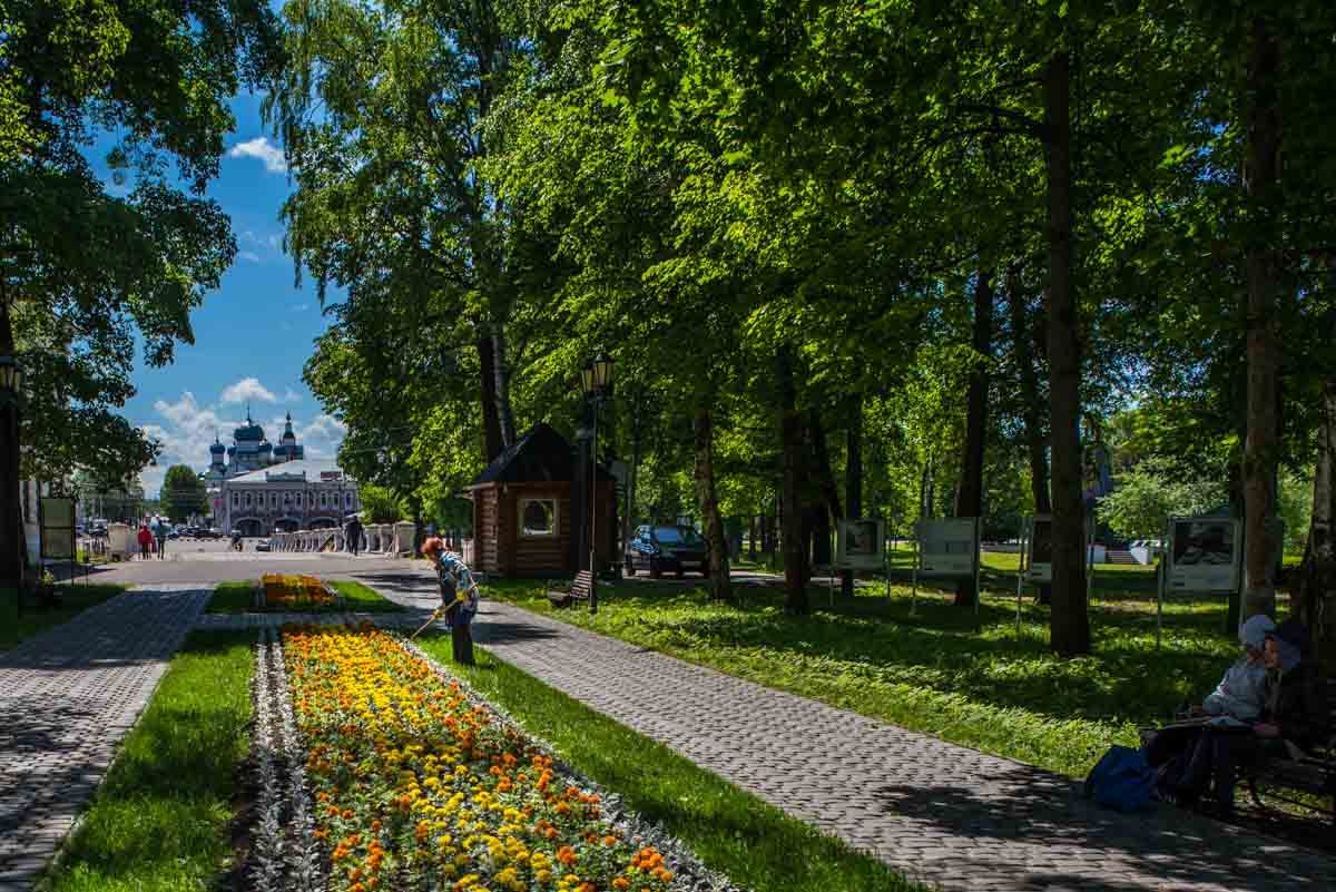 Russia river cruise uglich spring flowers